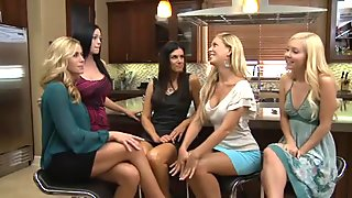 Hot lesbian meeting in the hotel bar