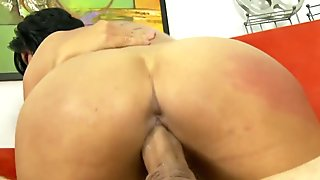Super sexy squirting with super sexy model